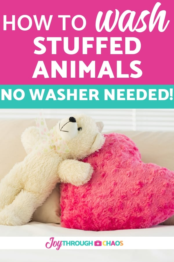 Exactly what you need to know to keep those plush toys clean. Check out how to wash stuffed animals four different ways! Plus extra sanitization tips.